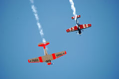 Affichage acrobatique aérien d'aéronefs de propulseur Images libres de droits