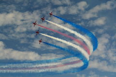Affichage acrobatique aérien de RAF Red Arrows dans Southport 2016 Photos stock