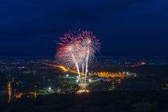 Affichage coloré de feux d'artifice chez Chiangmai Photo libre de droits