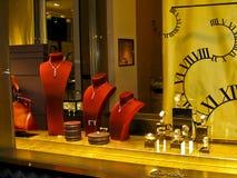 Affichage d'hublot du système de Cartier sur des champions Elysees Photos stock