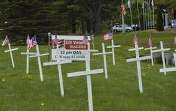 Affichage de conscience de suicide de vétéran des USA au cimetière Photographie stock