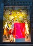 Affichage de fenêtre au bon homme de Bergdorf dans NYC Photos libres de droits