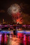 Affichage de feu d'artifice de nuit de Guy Fawkes chez Glasgow Green Photos stock