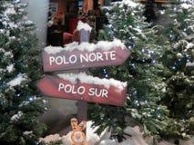 Affichage de Noël à l'aéroport de Malaga Image stock