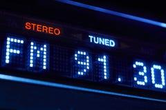 Affichage de radio de tuner de FM Station numérique stéréo de fréquence accordée photographie stock