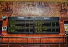 Affichage de station de train à Bruges, Belgique photographie stock