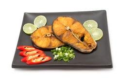 Affichage frit de maquereau espagnol sur le paraboloïde Image libre de droits