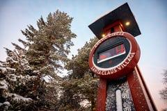 Affichage froid de la température en Santa Claus Village photographie stock