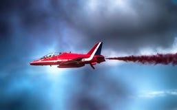 Affichage rouge de flèches à Farnborough R-U Images stock