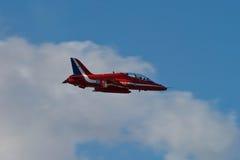 Affichage rouge Team Fairford Air Show RAF Airport d'avion de flèches images stock