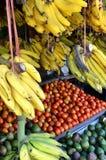 Affichage sain de nourriture sur le marché traditionnel photo libre de droits