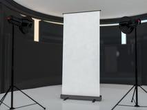Affichage vide de bannière de remontée pyramidale Maquette de calibre 3d Photographie stock libre de droits