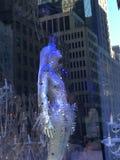 Affichages de fenêtre de vacances chez Saks Fifth Avenue à New York Photos libres de droits