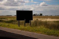 Affiche au bord de l'itin?raire Paysage de pays images libres de droits