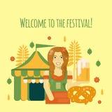 Affiche d'Oktoberfest avec de la bière, le bretzel, la tente et la serveuse Photos stock