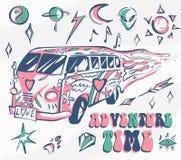 Affiche de vecteur de temps d'aventure Voiture hippie, mini fourgon avec différents symboles Rétros couleurs Concept psychédéliqu Photographie stock