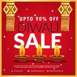 affiche de vente de festival de diwali avec le diya trois et la lampe accrochante dedans Images stock