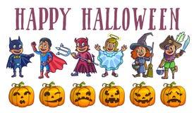 Affiche heureuse de Halloween avec des enfants en costumes et potirons Photos stock