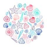 Affiche met zeeschelpen en zeesterren Mariene achtergrond Hand getrokken vectorillustratie in krabbelstijl Stock Afbeelding