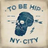 Affiche van uitstekend schedel hipster etiket Retro oude schoolreeks Vectorillustratie met typografisch voor t-shirtdrukken Stock Afbeelding