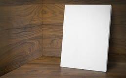 Affiche vide à la pièce faisante le coin de studio avec du Ba en bois de mur et de plancher Image stock