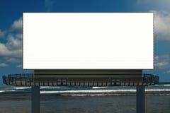 Affiche vide sur le fond de ciel Photographie stock