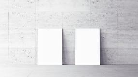 Affiches blanches avec la maquette vide de cadre Photographie stock libre de droits