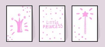 Affiches roses avec les inscriptions petite princesse, la couronne et le mod?le magique de b?ton dans les points Vecteur r?gl? po illustration stock