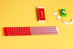 Affilatrice e matite di cancellatura Fotografia Stock