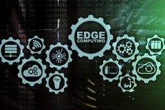 AFFILEZ LE CALCUL sur le fond moderne de pi?ce de serveur Technologie de l'information et concept d'affaires pour intensif de res
