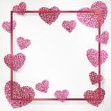 Affischen med hjärta av rosa konfettier, mousserar, blänker i rosa färgramen, gräns Royaltyfri Foto