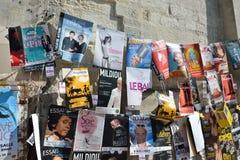 Affischer Avignon teaterfestival Arkivbild