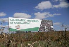 Affischtavla som stöttar Mugabe ouster i Zimbabwe royaltyfri fotografi