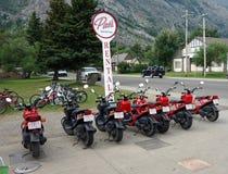 Affitti della bici al parco del waterton nel Canada Fotografie Stock