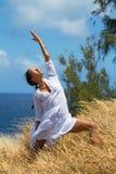 Affondo di yoga Fotografie Stock Libere da Diritti