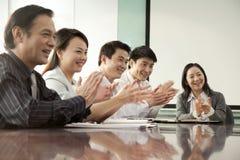 Affär Team Applauding Arkivbilder