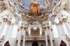 Affreschi della parete e del soffitto del patrimonio mondiale della chiesa di Wieskirche Immagine Stock