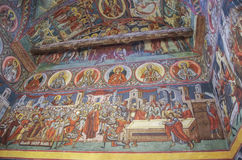 Affreschi dentro la chiesa in monastero Voronet Uno di PA del ` s della Romania Fotografia Stock Libera da Diritti