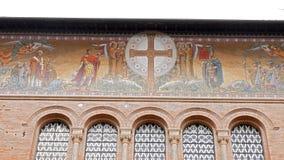 Affreschi Parrocchia Santa Croce Belle vecchie finestre a Roma (Italia) video d archivio