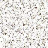 Affretti degli scoiattoli sui rami Modello senza cuciture di autunno per lo spostamento di regalo, la carta da parati, la stanza  Fotografia Stock Libera da Diritti