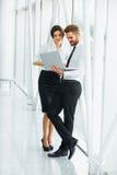 affärsfolk som fungerar tillsammans Affärslag Royaltyfria Bilder