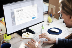 Affärsfolk som söker bläddra funktionsdugligt begrepp Arkivfoton