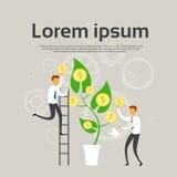 Affärsfolket växer pengarträdet med begrepp för myntframgångvinst Arkivbild
