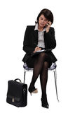 Affärskvinna i den väntande lokalen Arkivbild