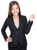 affärskvinna som pekar dräkten Royaltyfri Fotografi