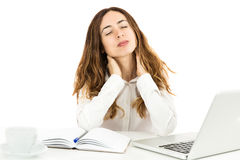 Affärskvinnan som har halsen, smärtar Arkivfoto