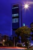 Affärsområde för fyra torn i Madrid på natten Arkivbilder