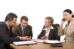 affärsskrivbordgruppen förhandlar folk Arkivbild