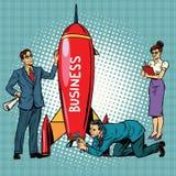 Affärsstarten, affärsmän och affärskvinnor lanserar en raket Arkivbilder