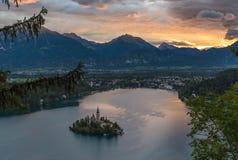 Afgetapt Meer, Slovenië, met de Veronderstelling van Mary Church Royalty-vrije Stock Foto